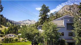 Exteriror view of Squaw Valley Lodge, Olympic Valley